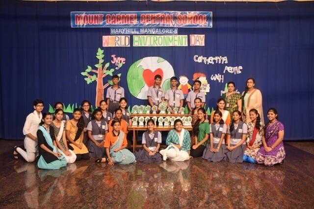 """Environment Day 2017 - honouring MCC Mayor"""